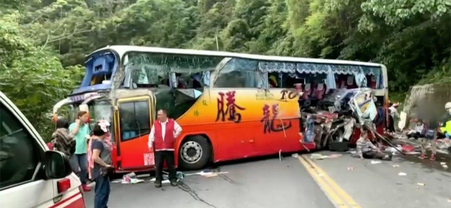 bus-crash-onroad